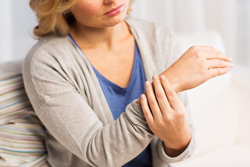 hand and wrist pain treatment